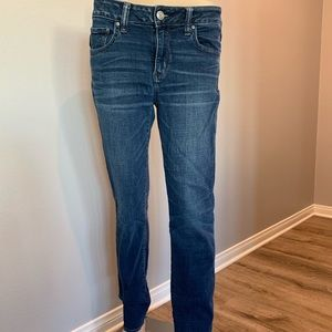 Dark wash comfortable American Eagle jeans